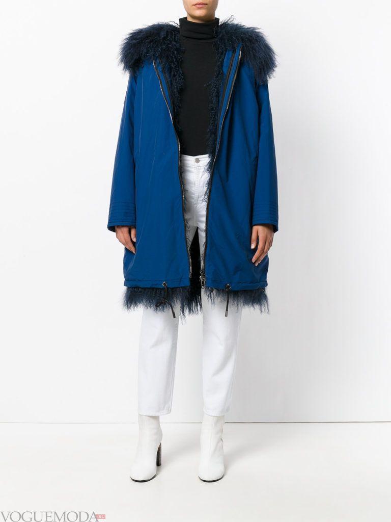 модный лук парка синяя с мехом