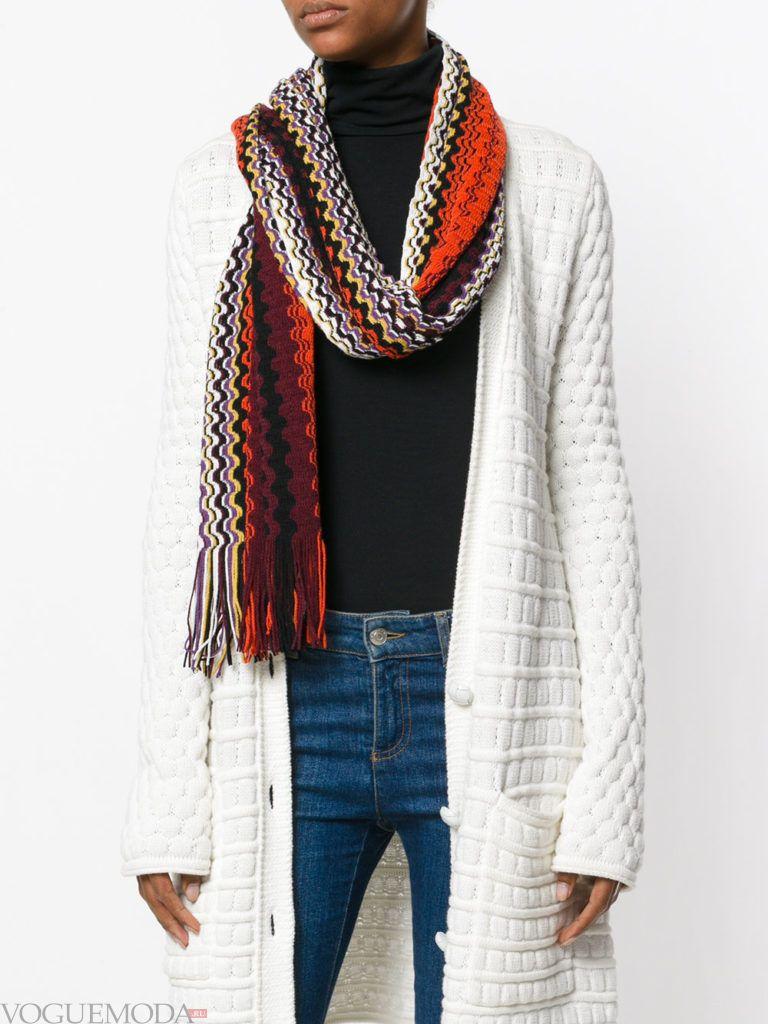 декорированный шарф вязаный