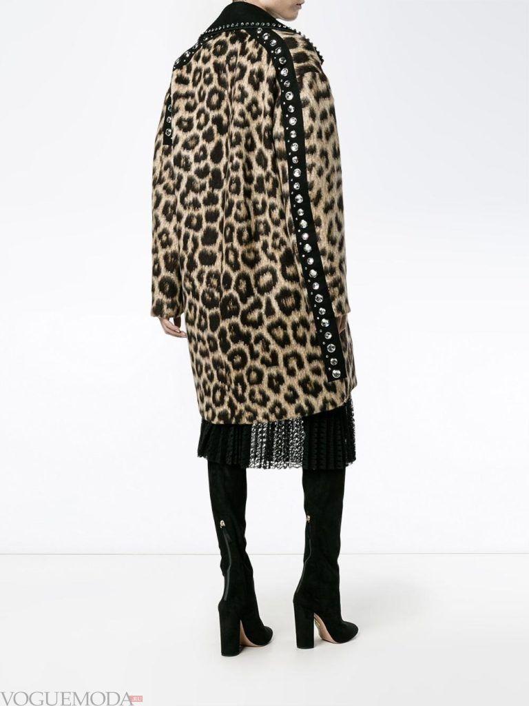 модный лук сафари с леопардовым пальто