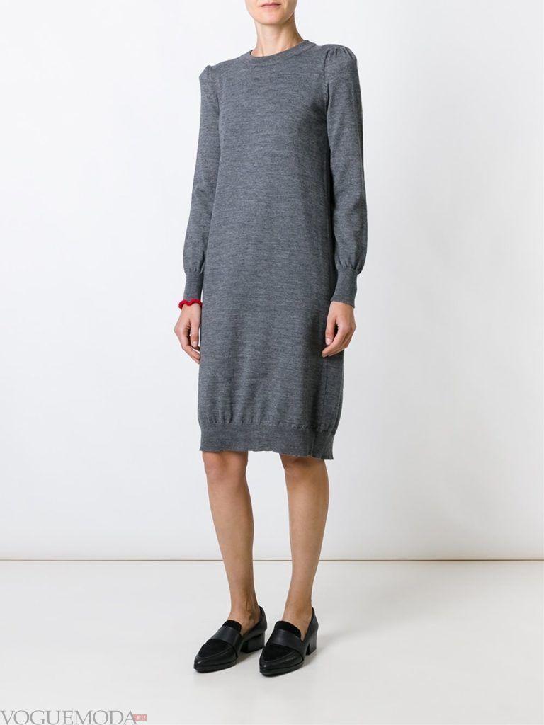 модный лук платье-свитер серое