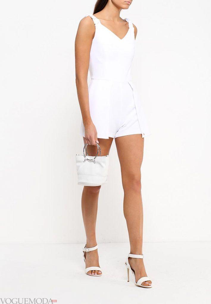 шорты-комбинезон белые