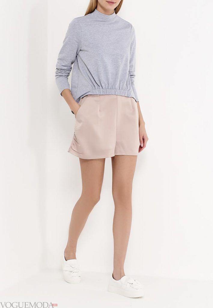 модные шорты нюдовые