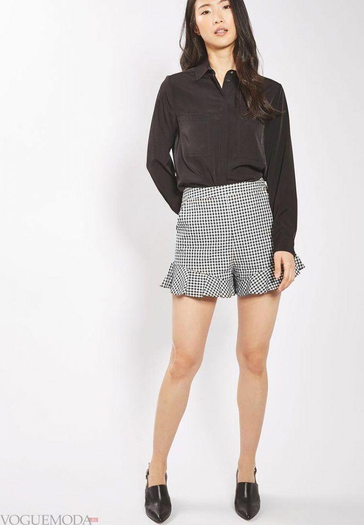 модные шорты с рюшами