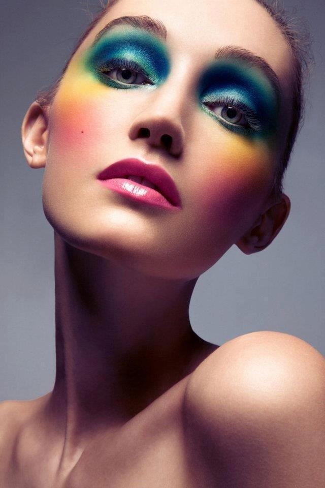 макияж глаз цвета радуги по всему лицу