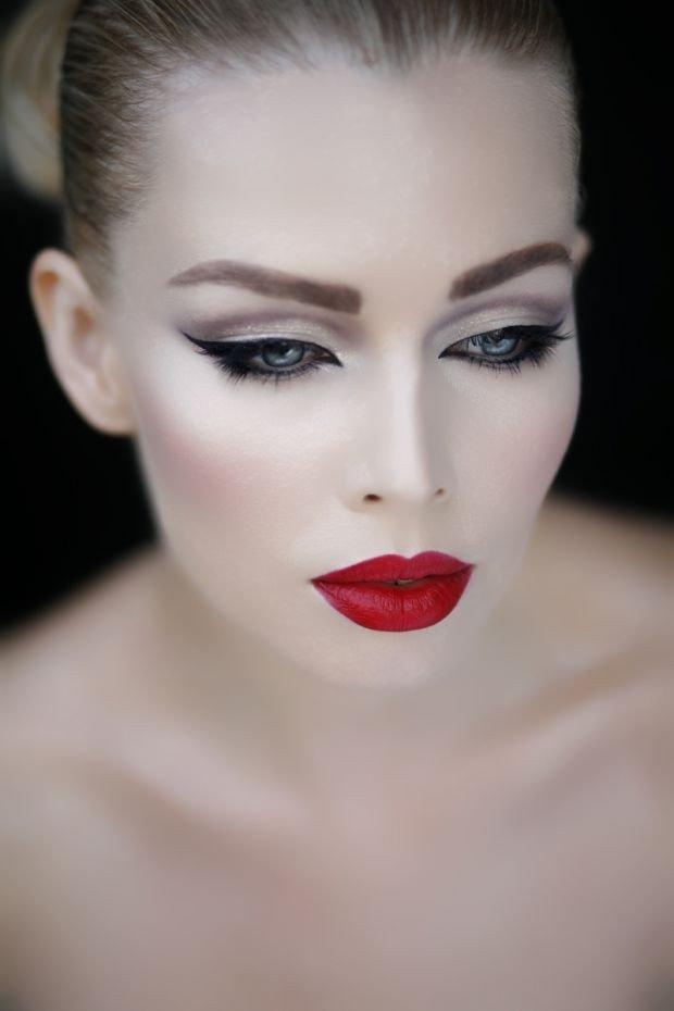 макияж губ красный матовый