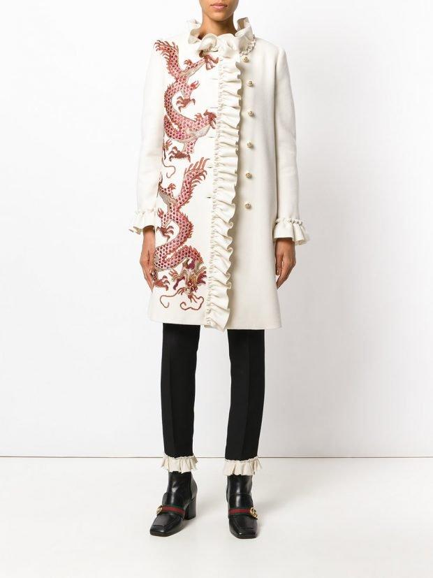 модное пальто белое
