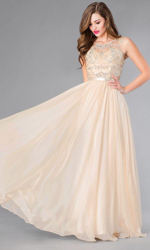 красивое пышное бежевое платье ажурное