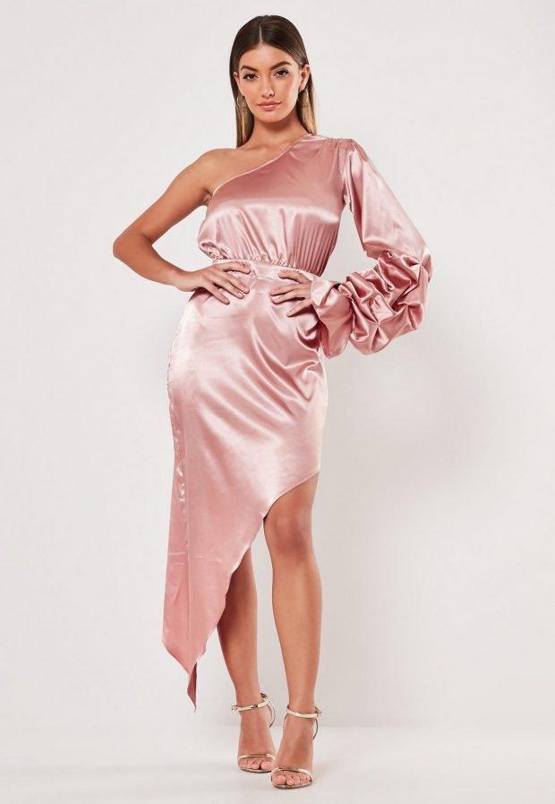 платья на выпускной 2019: розовое асимметрия атласное