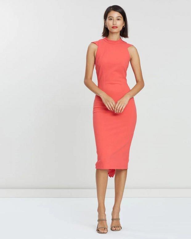 платье футляр без рукавов