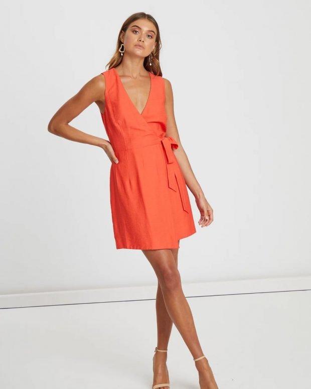 коралловое платье широкие бретели