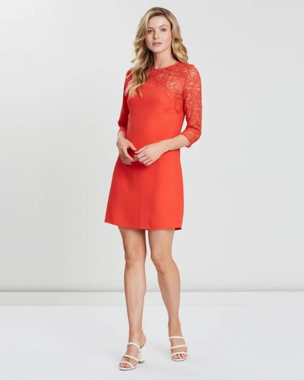 коралловое платье короткий рукав ажурное