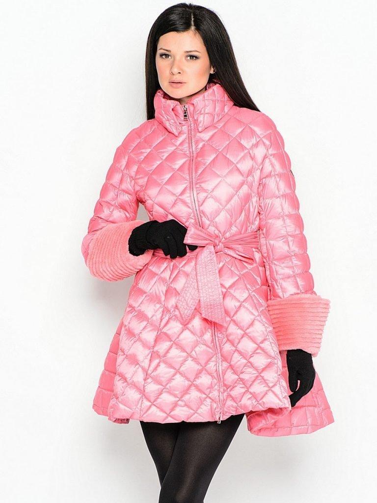 пуховик-платье длиной до колена розовый