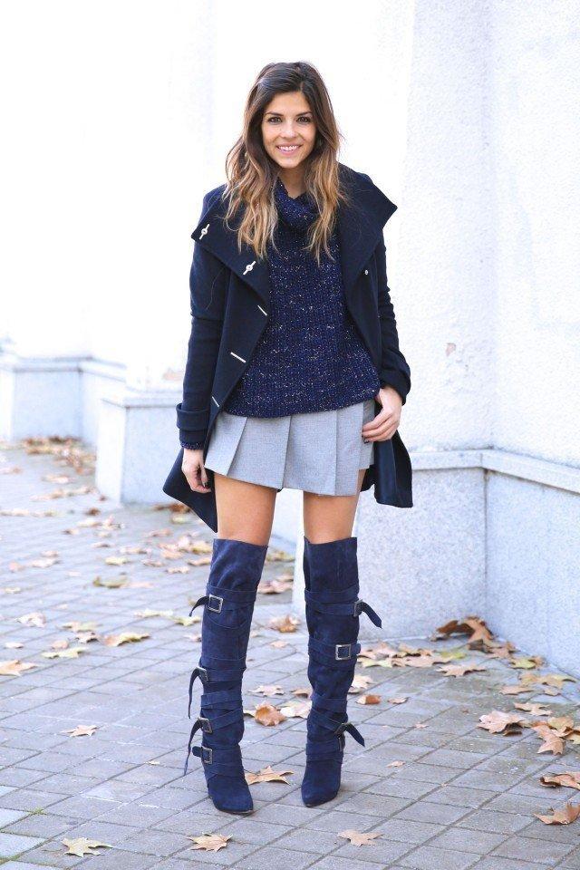замшевые сапоги темно-синего оттенка с юбкой
