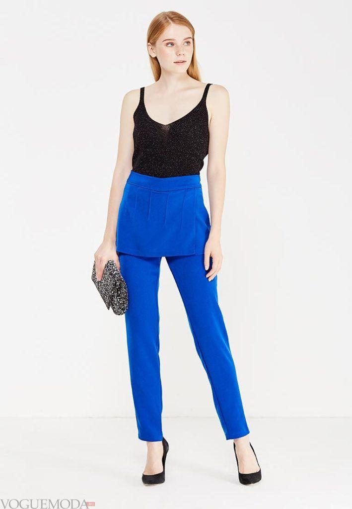 лук ярко синие брюки с декором