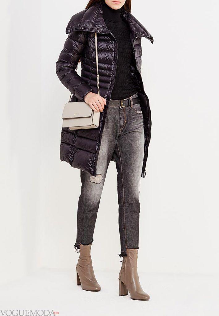 черный пуховик с серыми джинсами