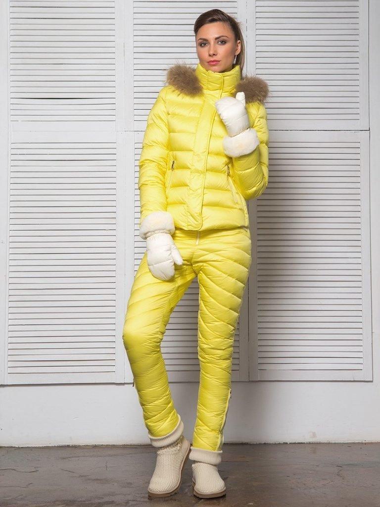 спортивный пуховик желтый