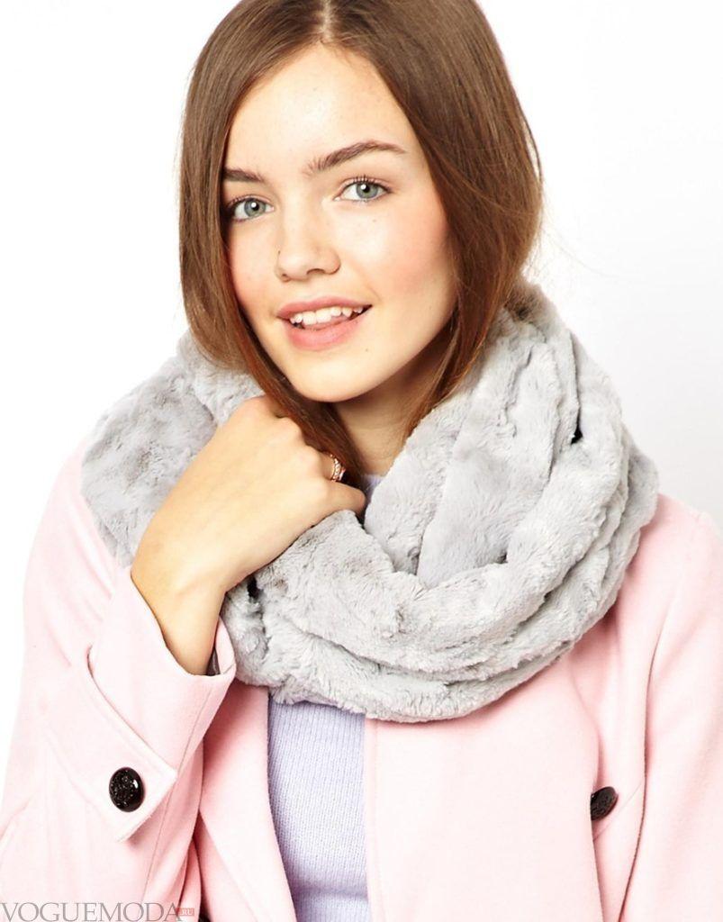шарф снуд с пальто серый