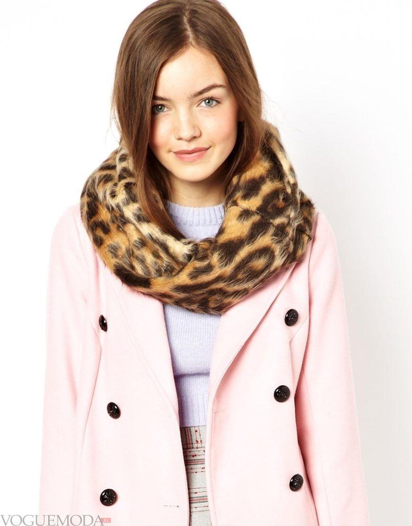 шарф снуд с пальто с принтом