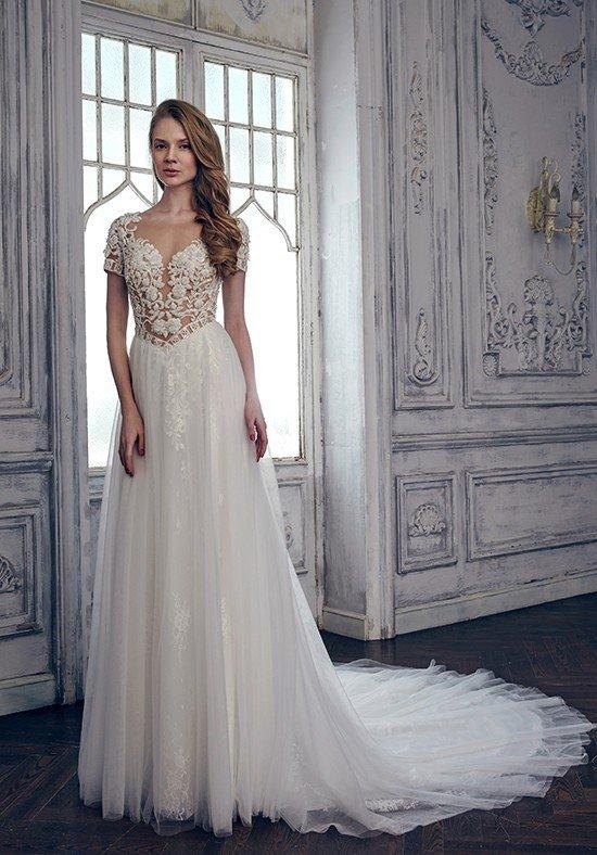 свадебные платья: со шлейфом с декором