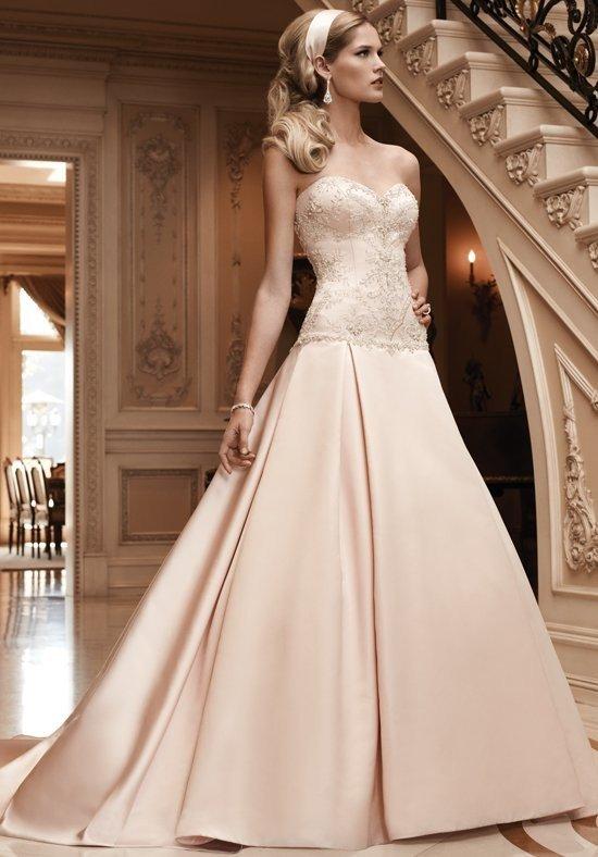 фото свадебных платьев: цветное бежевое