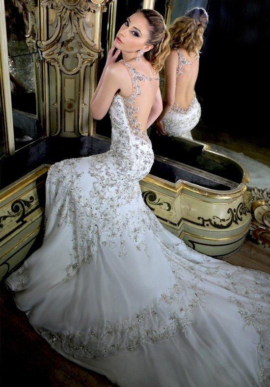 свадебное платье с открытой спиной длинное