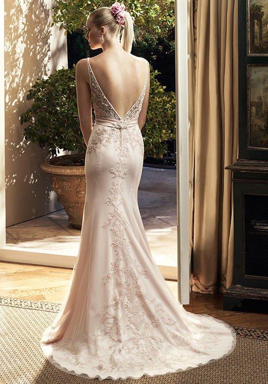 фото свадебных платьев: с открытой спиной бежевое