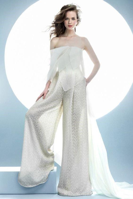 фото свадебных платьев: комбинезон прозрачный