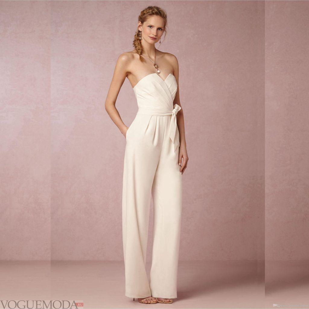 фото свадебных платьев: комбинезон с поясом