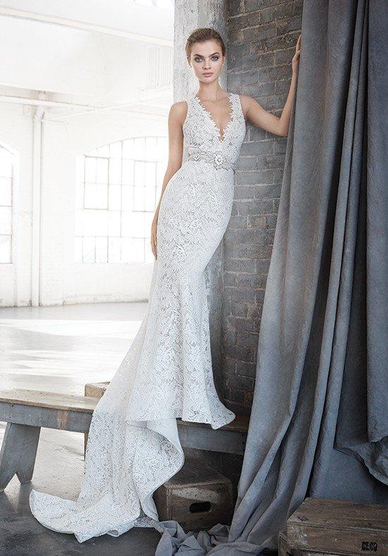 свадебное платье с кружевом белое