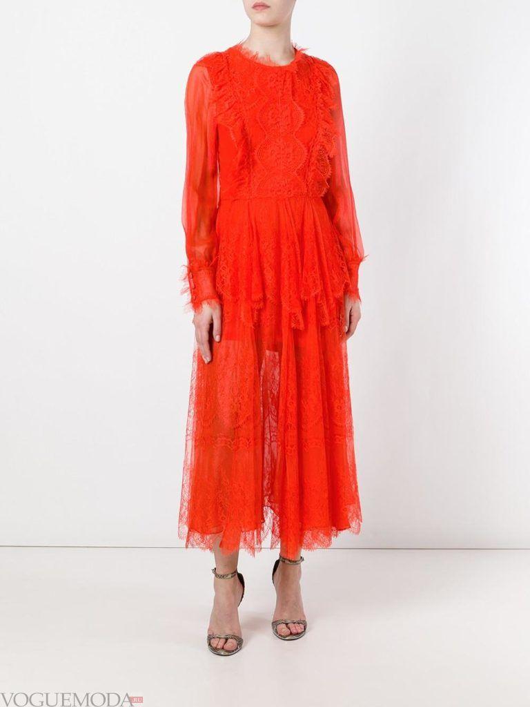 красное кружевное платье для встречи года крысы