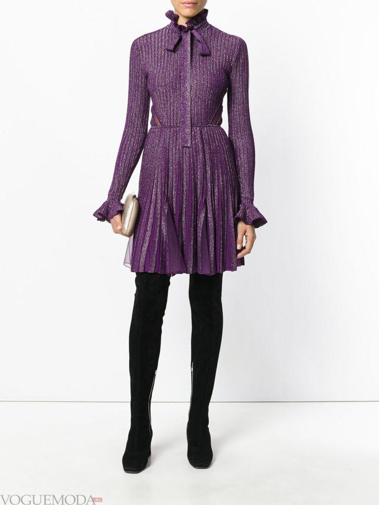 пурпурное платье плиссе для встречи года крысы