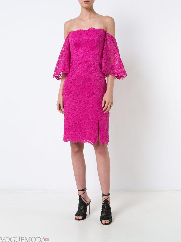 пурпурное платье с декором для встречи года крысы