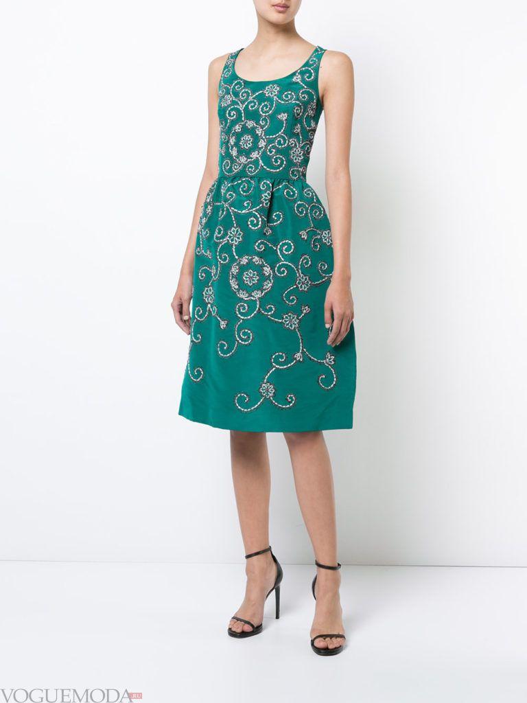 зеленое платье с рисунком для встречи года крысы