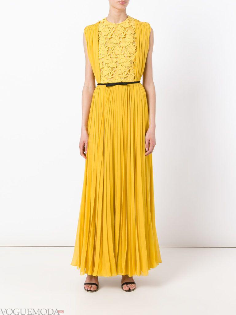 желтое платье с поясом для встречи года крысы