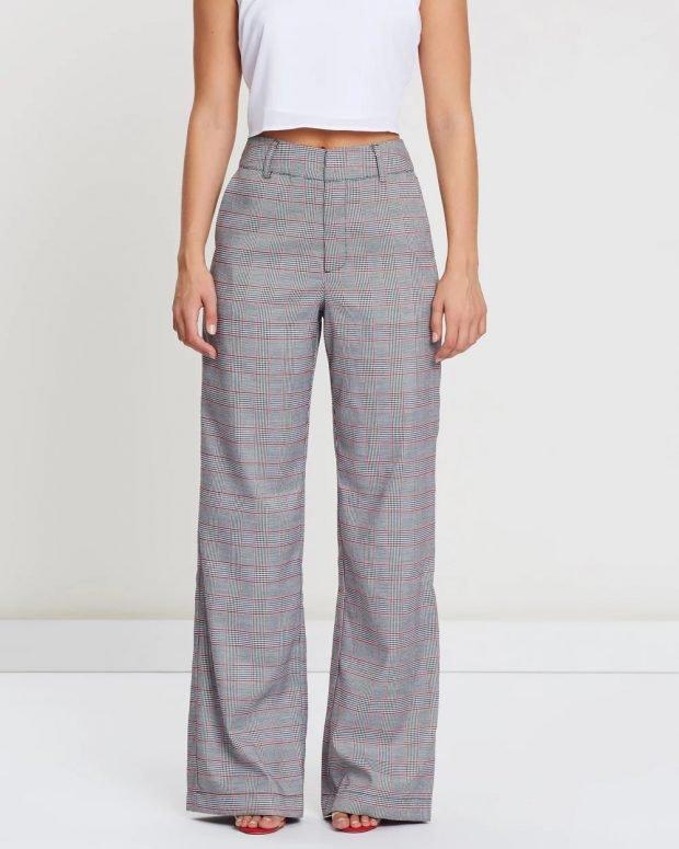 женские брюки 2019 2020: серые широкие в клетку