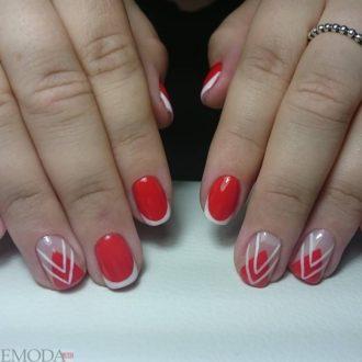 красный френч с геометрическим рисунком