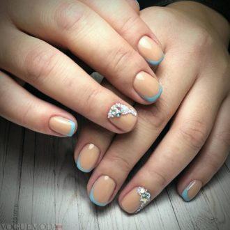 свадебные ногти цветные