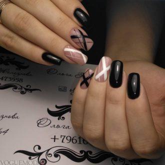 геометрический маникюр черно-белый
