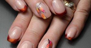 френч на коротких ногтях с цветами