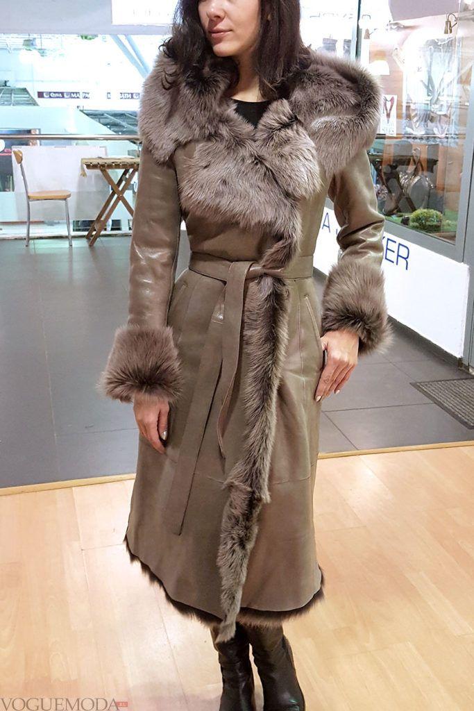 женская дубленка-халат с декором