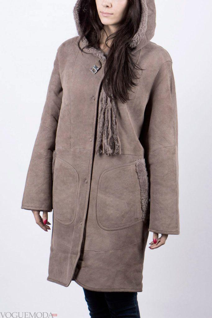 женская серая дубленка с накладными карманами