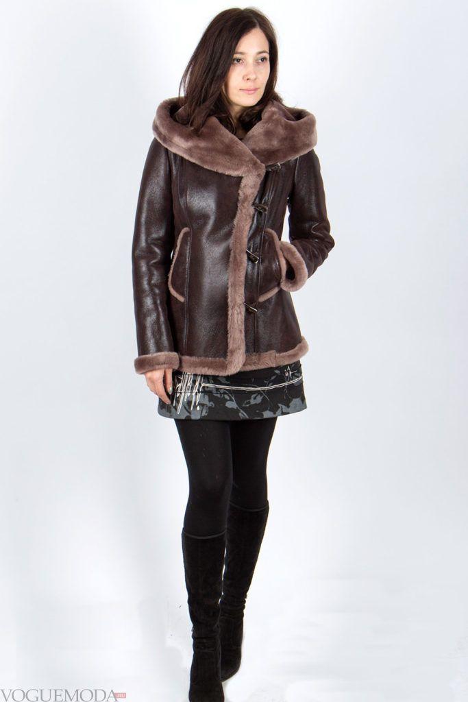 женская кожаная дубленка с накладными карманами