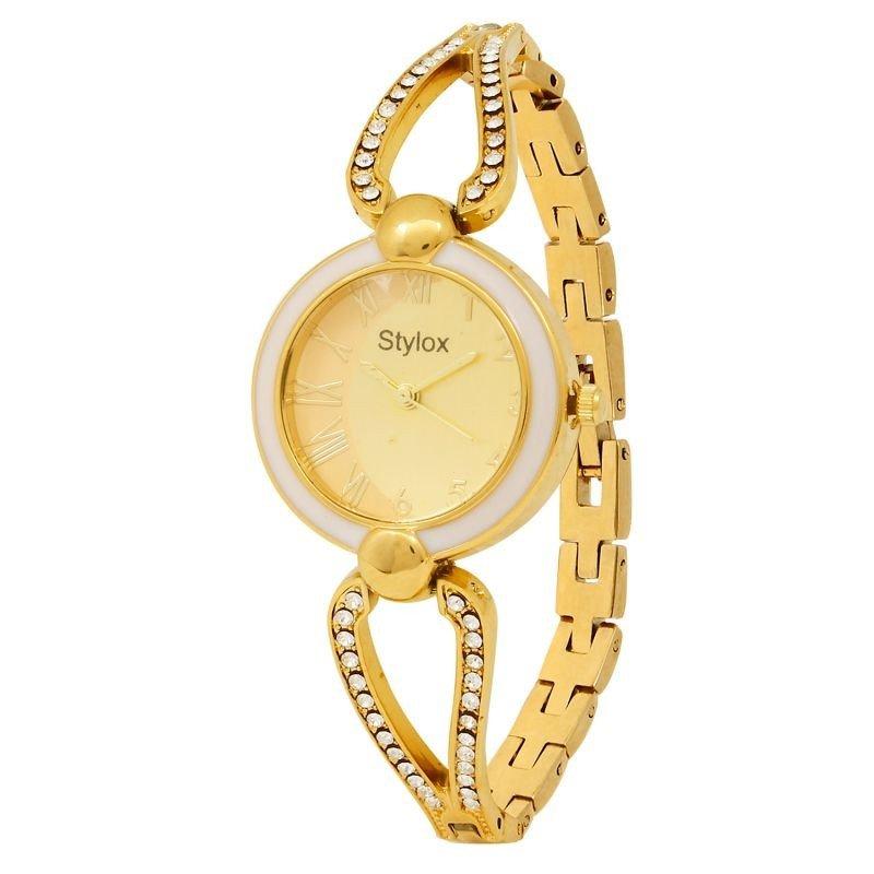 женские часы с модным ремешком золотые