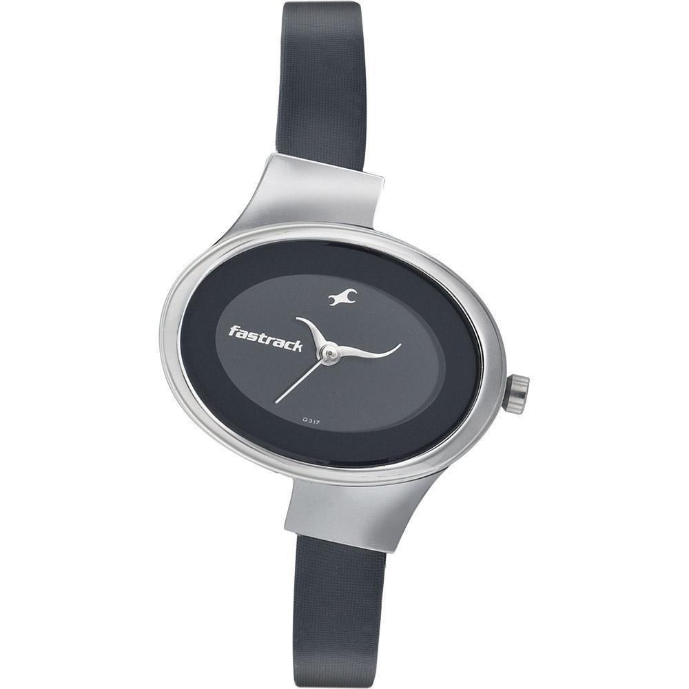 женские часы с миниатюрным циферблатом черные