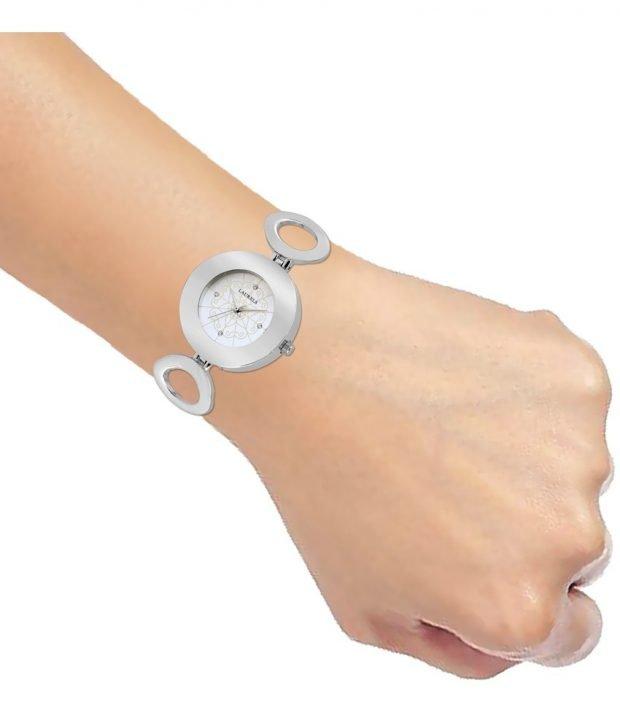 женские часы с миниатюрным циферблатом серебряные
