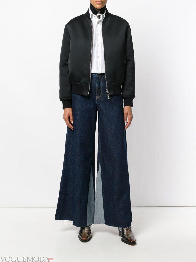 джинсы клеш с контрастными вставками