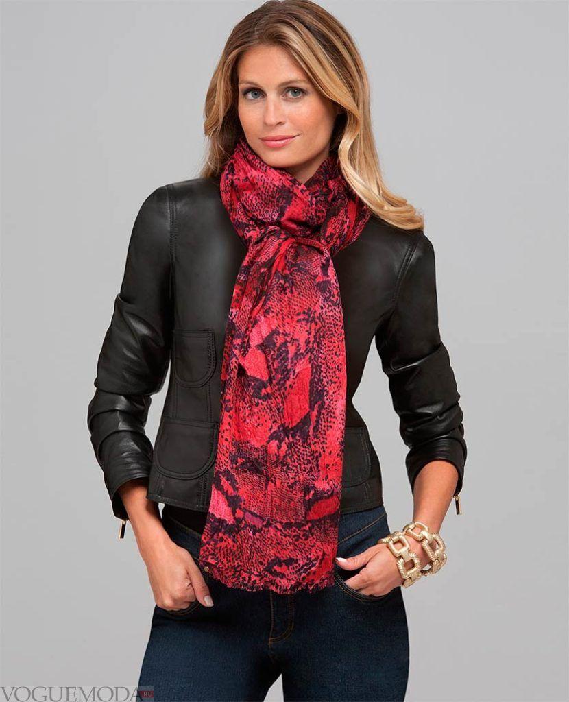 легкий шарф с принтом