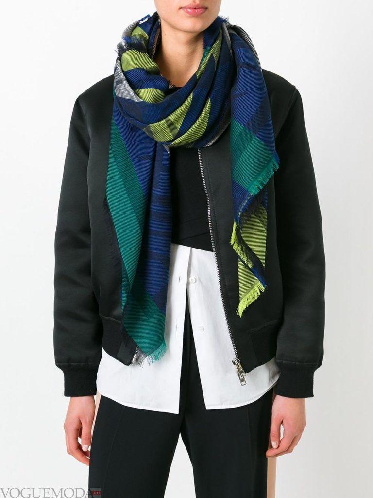 шарф из платка цветной