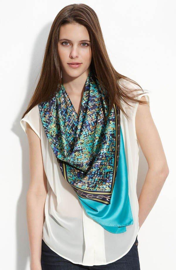 шарф из платка с принтом