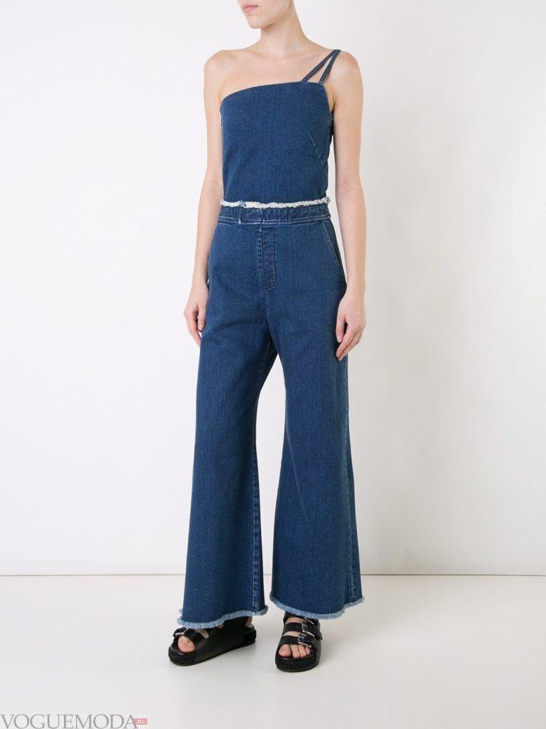 женский джинсовый комбинезон с поясом